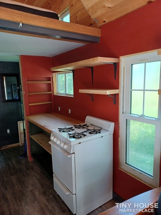 Tiny House- Solar, Kitchen, hardwood counters, ready to live off grid - Slide 6