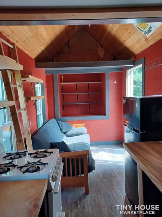 Tiny House- Solar, Kitchen, hardwood counters, ready to live off grid - Slide 7