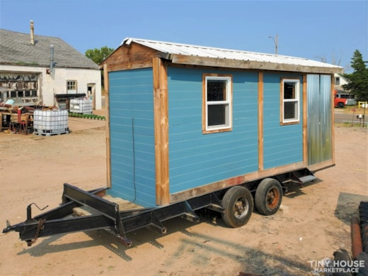 Tiny House Tiny Home 17 feet long and 9 foot ceiling
