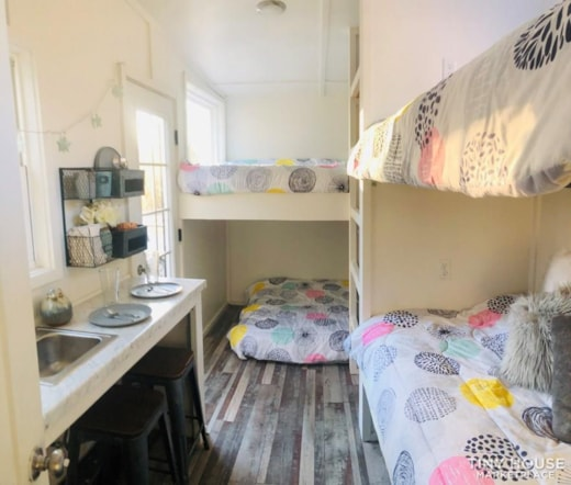 Tiny house / travel camper ready for adventures!