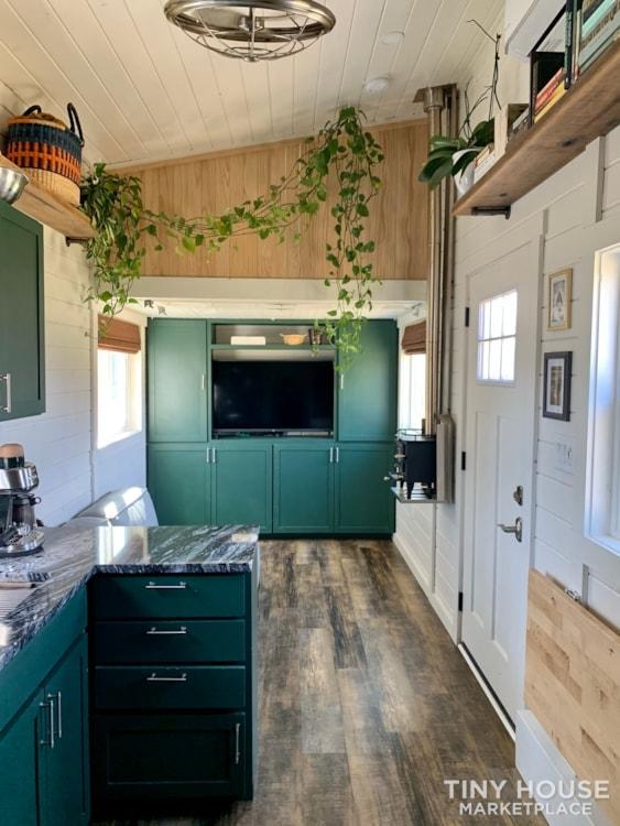 Tiny House With Abundant Storage - Slide 10