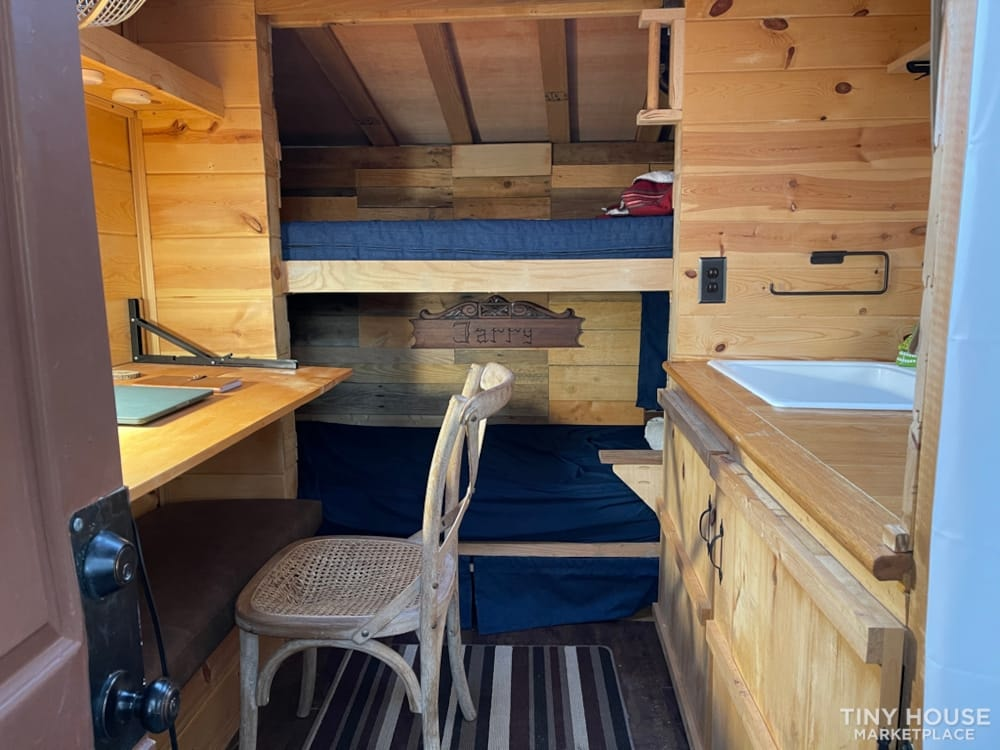 Travel Trailer - Tiny Camper for Sale - Slide 6