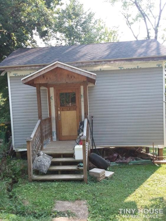 Unfinished tiny house - Slide 2