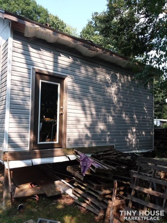 Unfinished tiny house - Slide 4