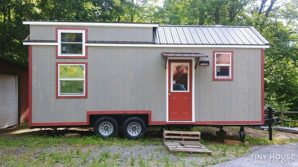 Rent to own tiny house - Slide 1
